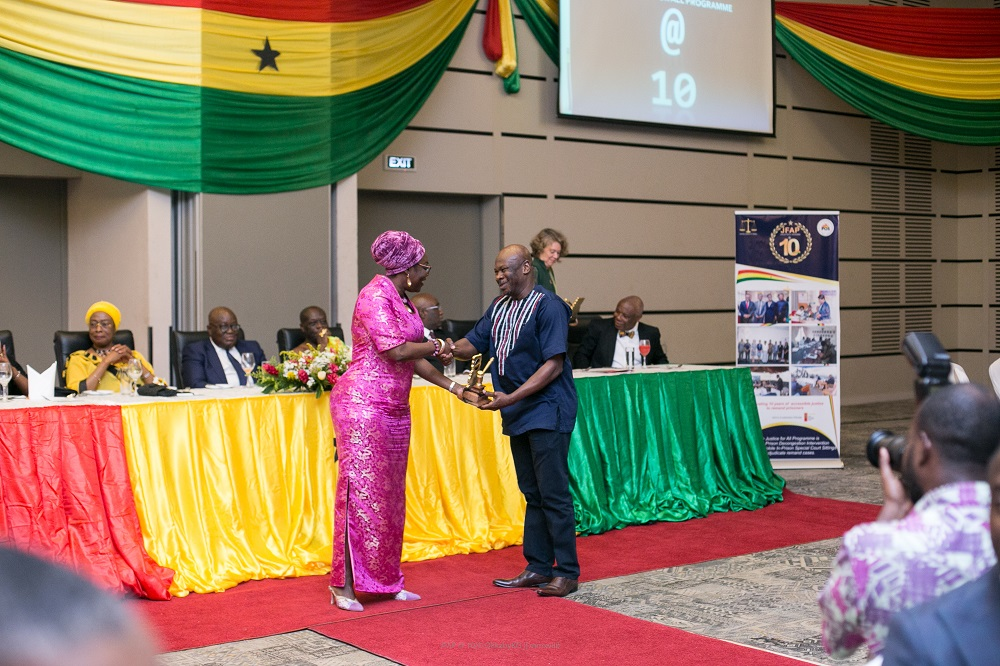 Mr Ibrahim-Tanko Amidu, Programme Director of STAR-Ghana, receiving the award on behalf of STAR-Ghana