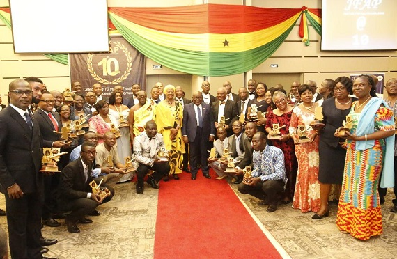 President Akufo-Addo (middle) with the award winners